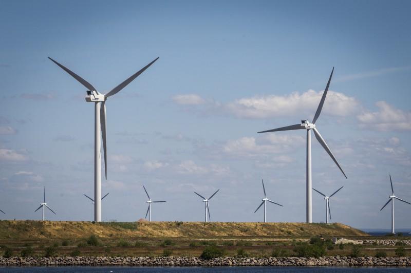 Billede af vindmøller etableret af HOFOR