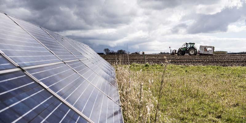 Billede der viser solcelleanlæg til CO2-neutral vandproduktion