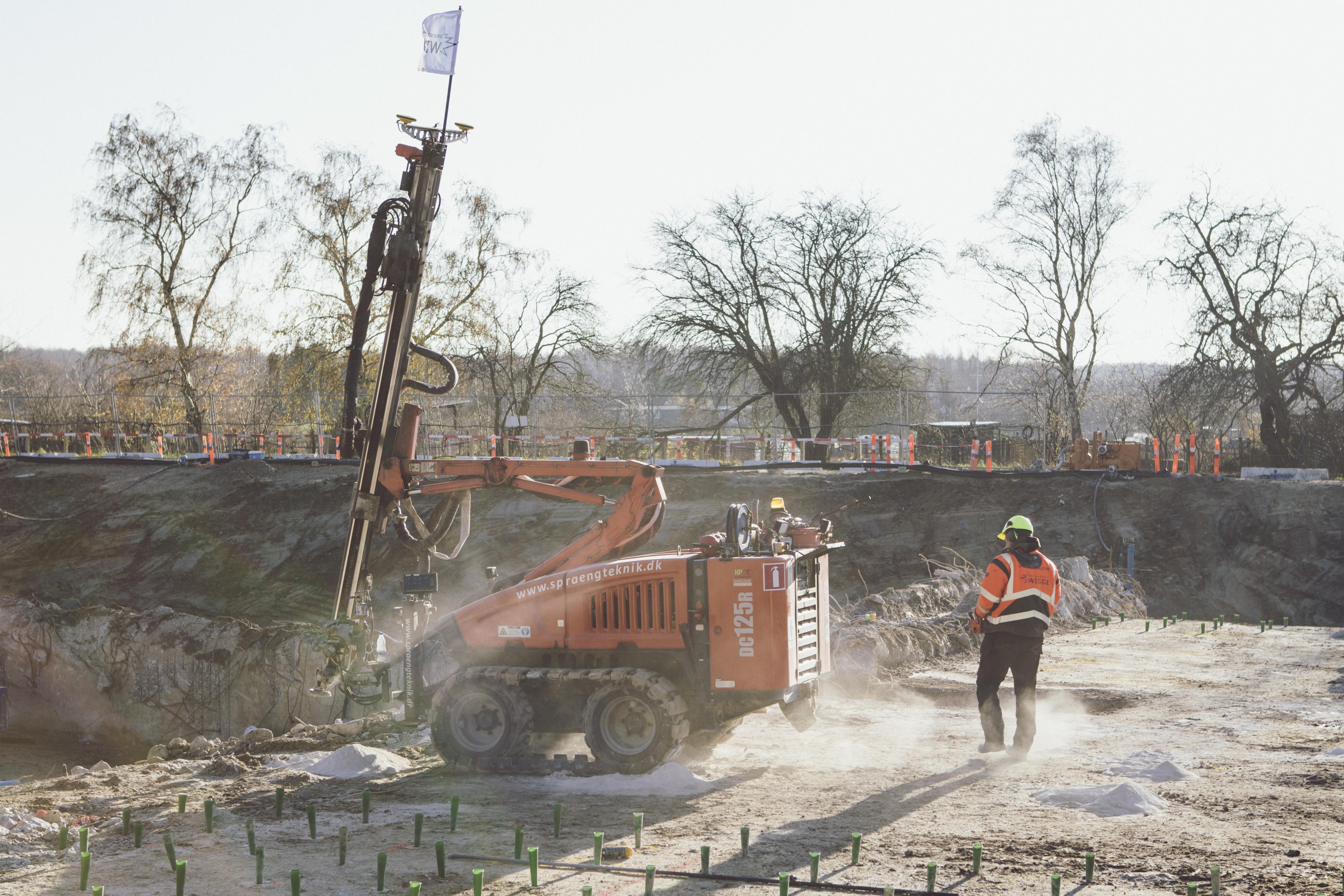 Billede af maskine under byggeri