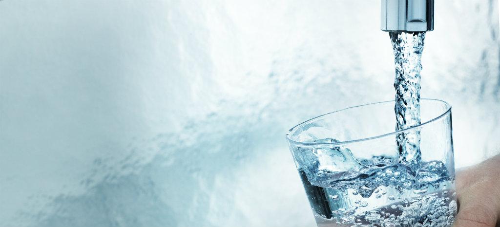 Billede af glas med HOFOR drikkevand