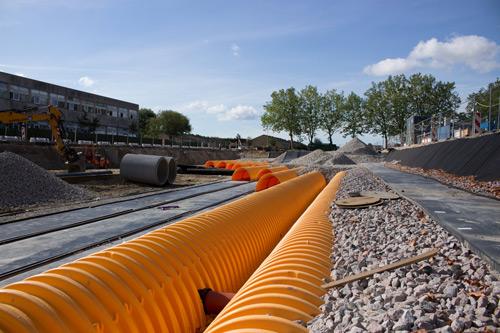 orange tunnelbuer på horsedammen i Brøndby