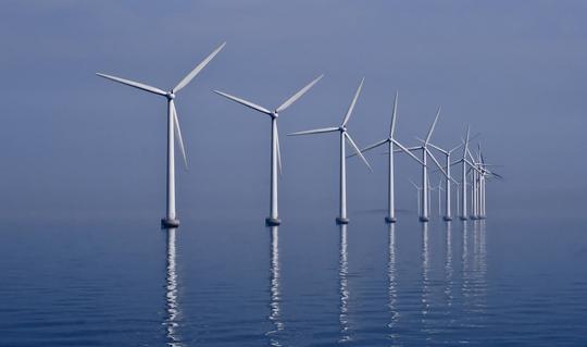 HOFOR puster nyt liv i havvindmøllerne ved Middelgrunden.